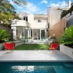 บ้านทาวน์เฮาส์ ความเป็นส่วนตัวกลางเมือง ภายใต้โทนสีขาวสว่างสดใส