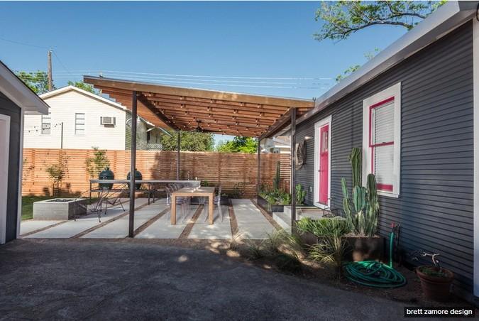 dark-modern-bungalow-with-outdoor-kitchen (1)
