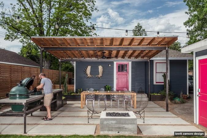 dark-modern-bungalow-with-outdoor-kitchen (2)