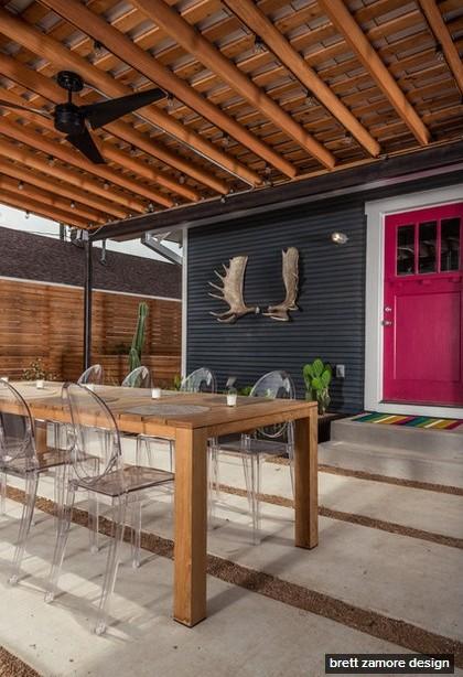 dark-modern-bungalow-with-outdoor-kitchen (6)