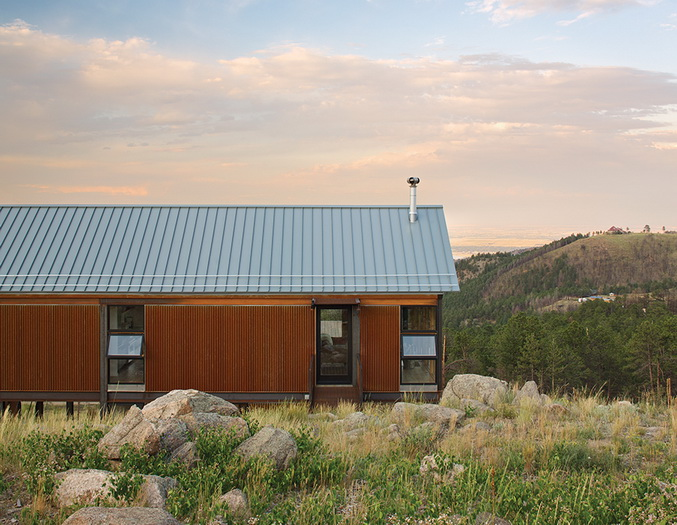 energy-saveing-house-on-the-hill (1)