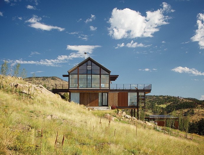 energy-saveing-house-on-the-hill (5)