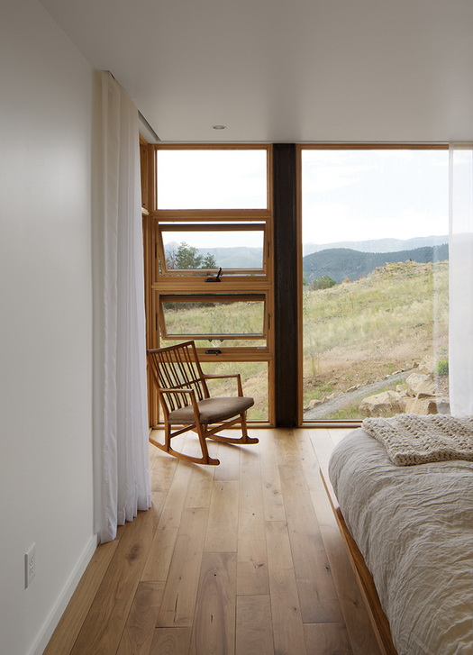 energy-saveing-house-on-the-hill (7)