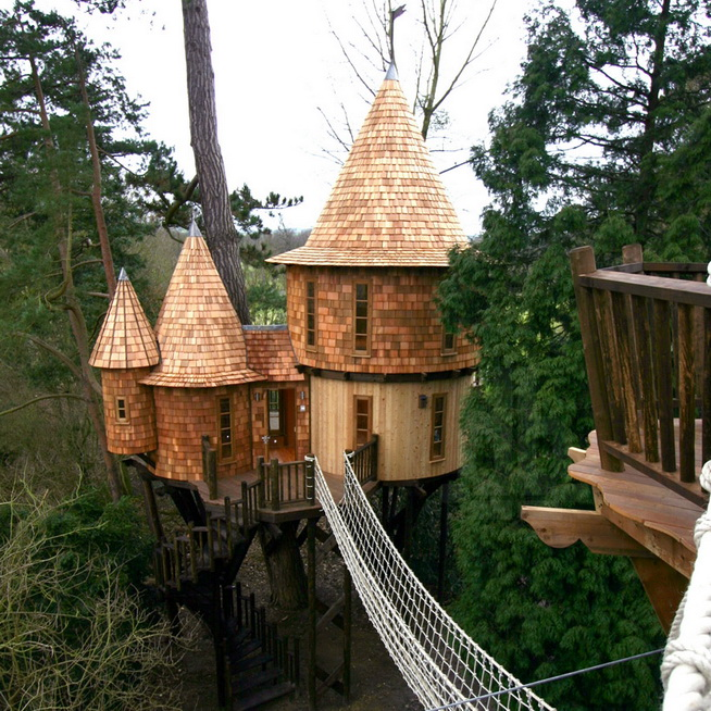 fantasy-family-tree-house (2)