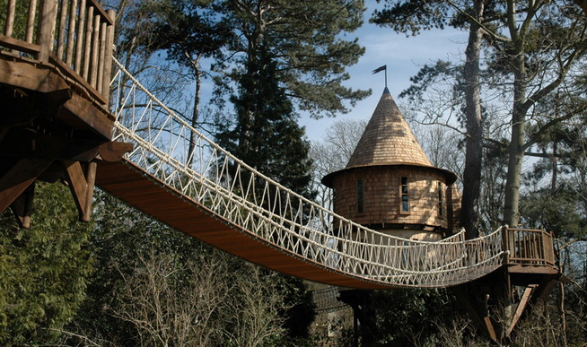 fantasy-family-tree-house (3)