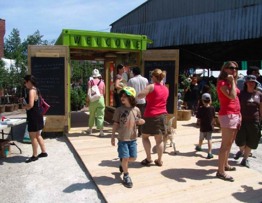 green cozy welcoming hut (4)