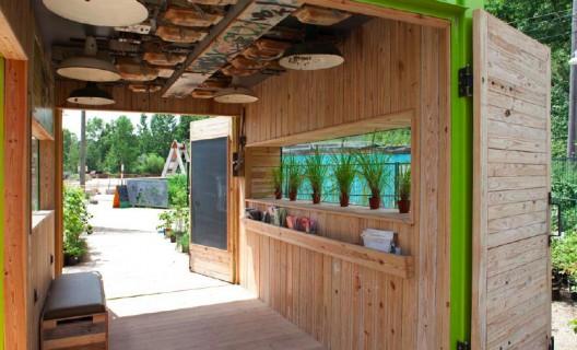 green cozy welcoming hut (7)