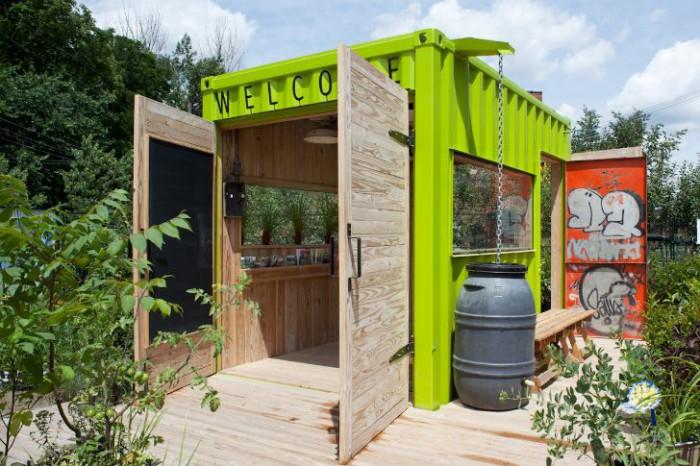 green-cozy-welcoming-hut