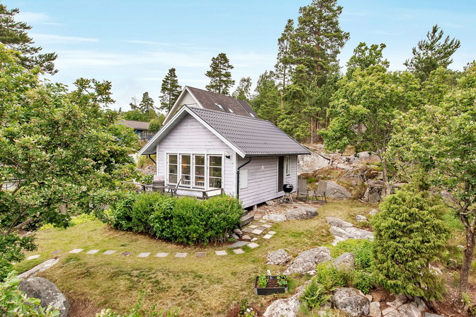 heightened-small-white-cottage (4)