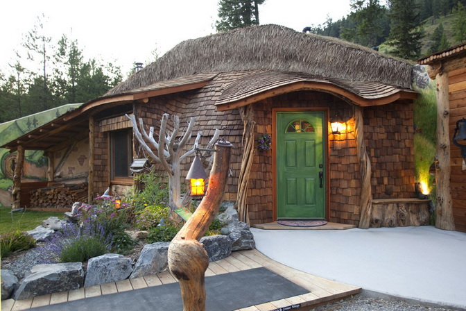 hobbit-house-on-mountain (1)
