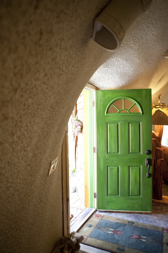 hobbit-house-on-mountain (2)