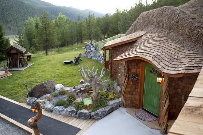 hobbit-house-on-mountain (9)