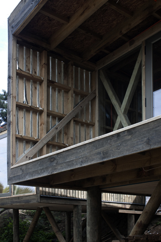 low-cost-modern-wooden-bungalow (1)