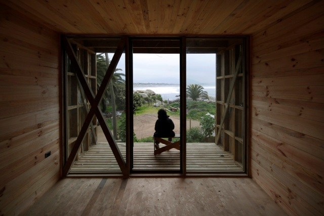 low-cost-modern-wooden-bungalow (14)