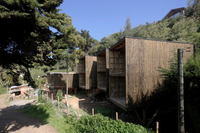 low-cost-modern-wooden-bungalow (15)