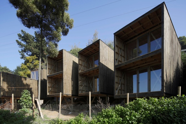 low-cost-modern-wooden-bungalow (16)