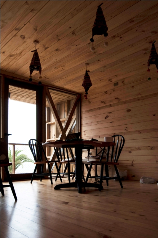 low-cost-modern-wooden-bungalow (4)