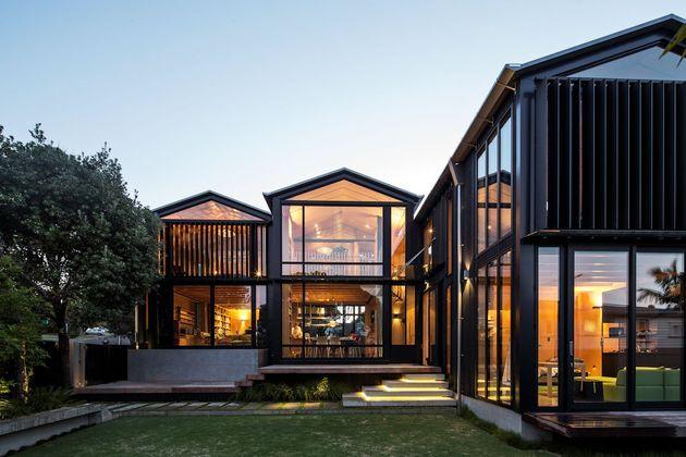 mirror comfortable dark tone house (1)