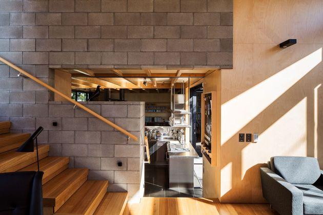 mirror comfortable dark tone house (17)
