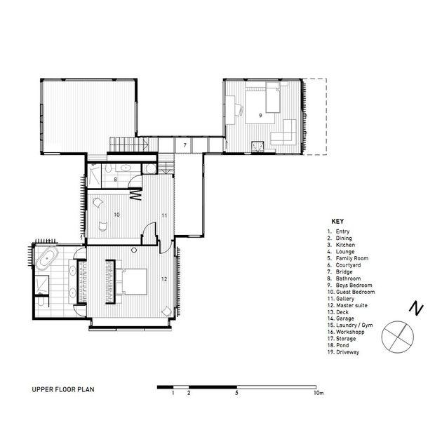 mirror comfortable dark tone house (25)