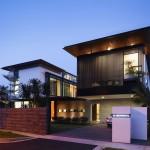 แบบบ้านสองชั้นสไตล์โมเดิร์น ครบครันทั้งสวนหน้าบ้าน สระว่ายน้ำ และความหรูหรา