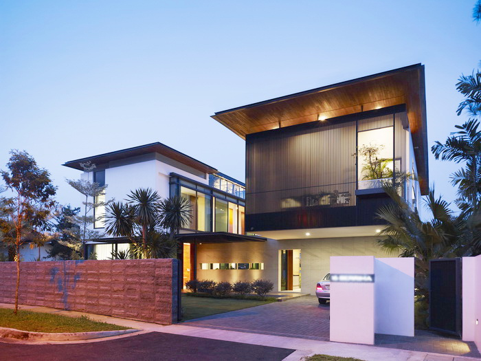 modern-big-elegant-black-white-house-1_resize