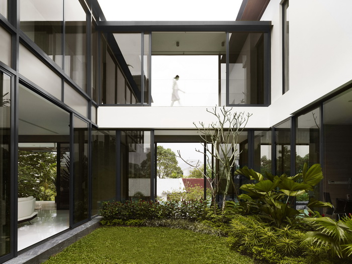 modern-big-elegant-black-white-house (4)_resize