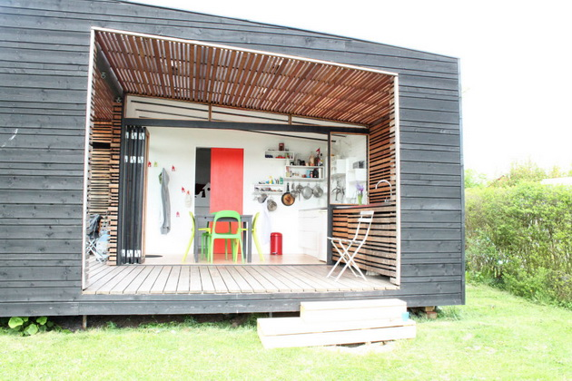modern-black-container-small-house (1)