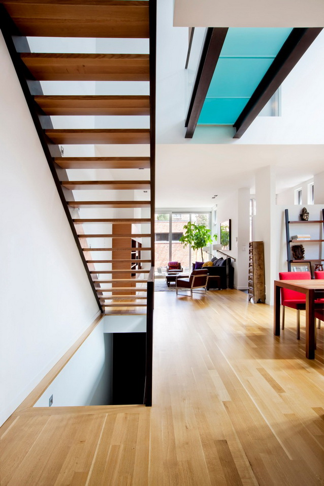 modern-brick-townhouse-with-glassy-interior (13)