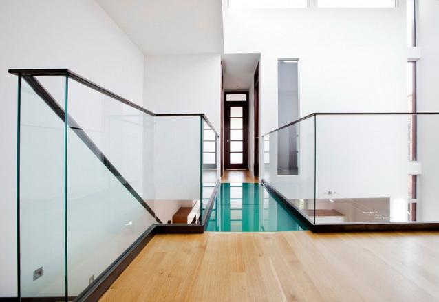 modern-brick-townhouse-with-glassy-interior (15)