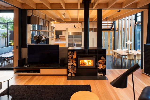 modern-brick-townhouse-with-glassy-interior (2)_resize