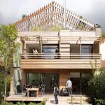 บ้านไม้สไตล์อนุรักษ์พลังงาน โดดเด่นที่ทรงหลังคา มาพร้อมความแข็งแรงและคงทน