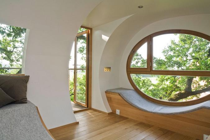 modern egg shape tree house (5)