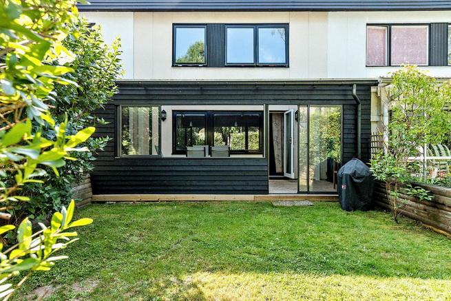 modern-elegant-2-storey-townhouse (26)