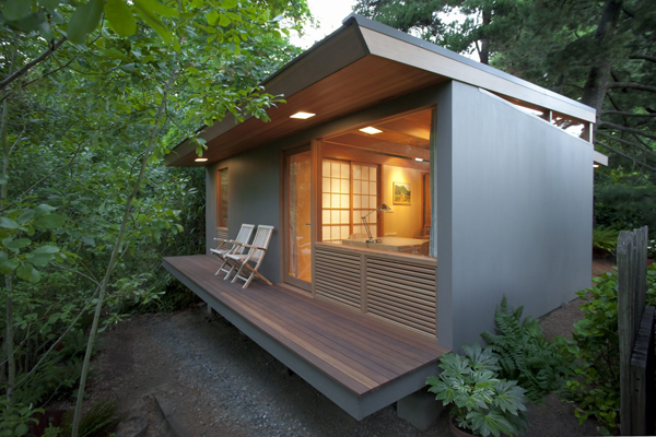 modern-house-in-forest-with-patio (1)