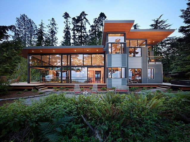 modern-mirror-house-in-nature-zone (1)