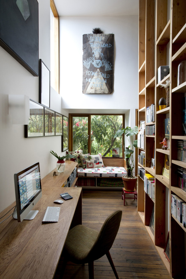 modern-quirk-house-with-extreme-interior (7)