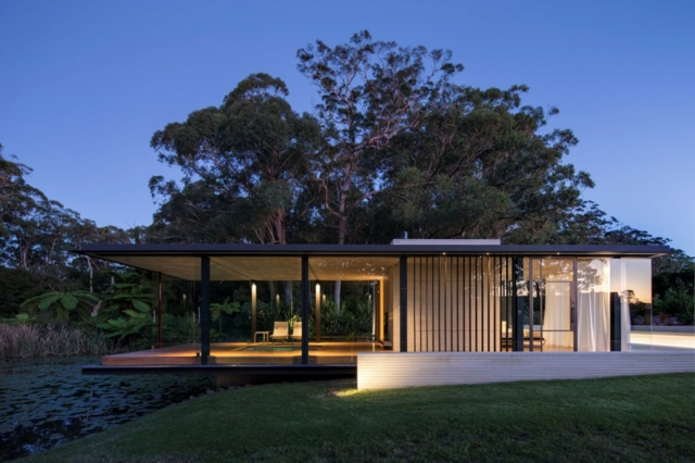 modern-riverfront-cottage (18)