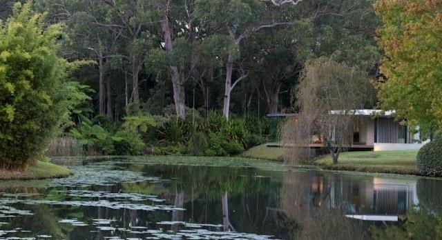 modern-riverfront-cottage (2)