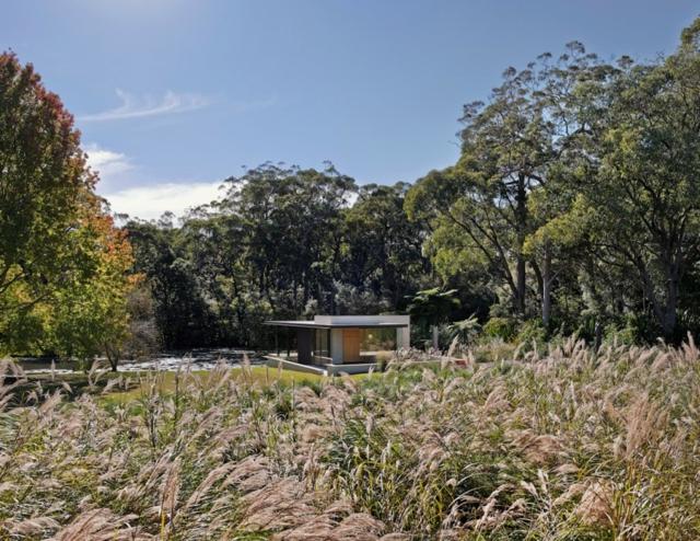 modern-riverfront-cottage (4)