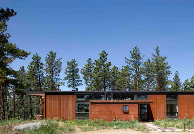 modern-wooden-saving-power-house-in-wood (4)