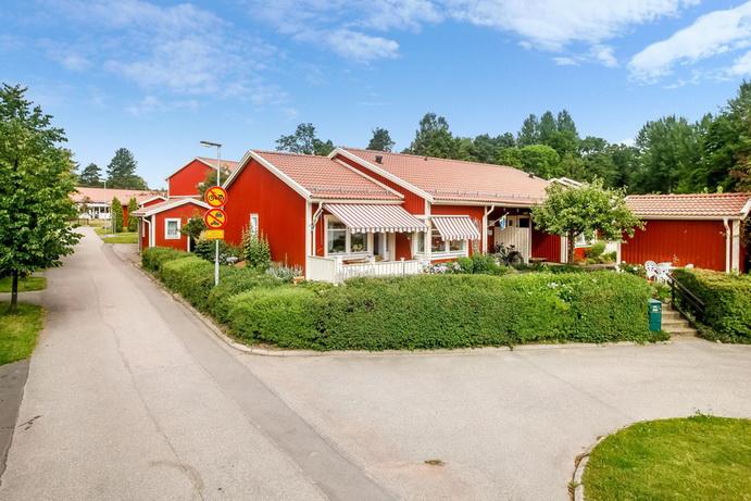 red-big-1floor-townhouse (14)