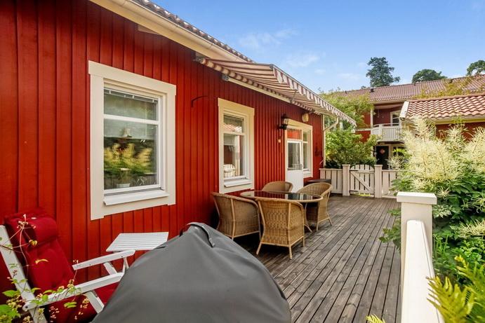 red-big-1floor-townhouse (7)