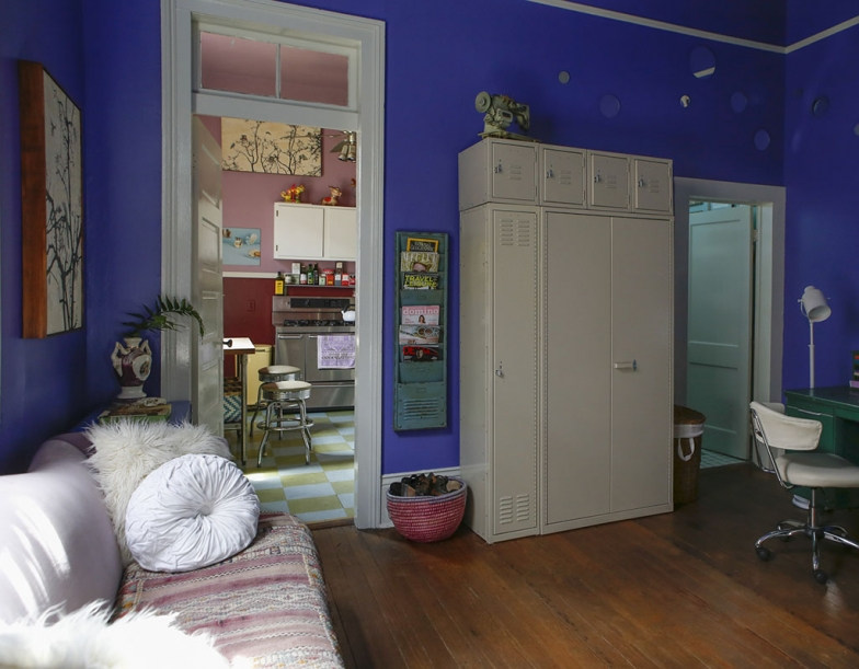 renovated-blue-apartment-from-double-decker-bus (15)