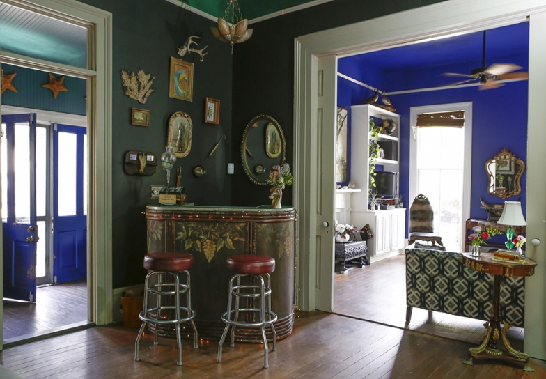 renovated-blue-apartment-from-double-decker-bus (18)