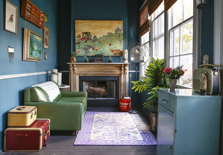 renovated-blue-apartment-from-double-decker-bus (20)