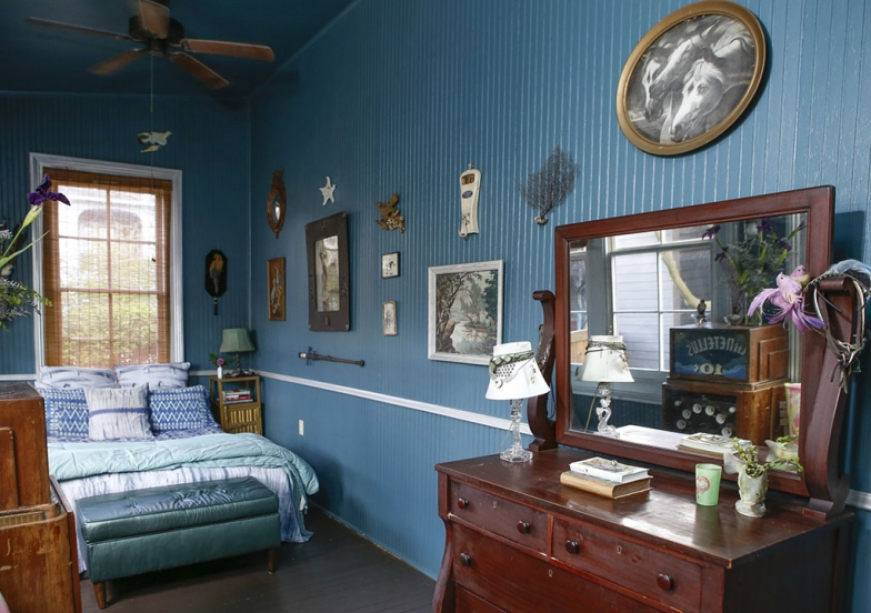 renovated-blue-apartment-from-double-decker-bus (23)