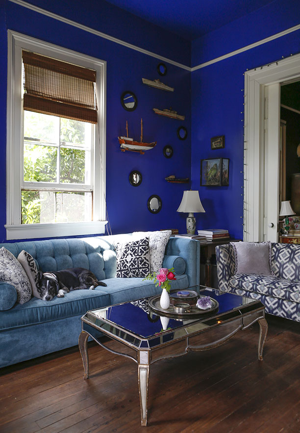 renovated-blue-apartment-from-double-decker-bus (5)