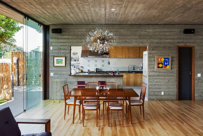 renovated-garage-house-with-backyard-and-frontyard (10)