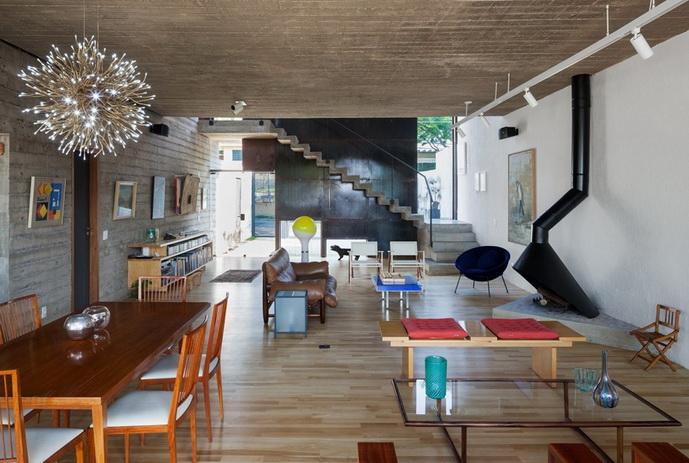 renovated-garage-house-with-backyard-and-frontyard (11)